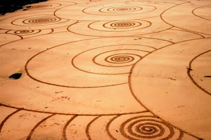 Tony disegni sulla sabbia 10