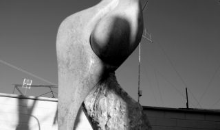 1Donna Woman Pietra di Trani cm 250x60x60 by Emanuele Rubini 5