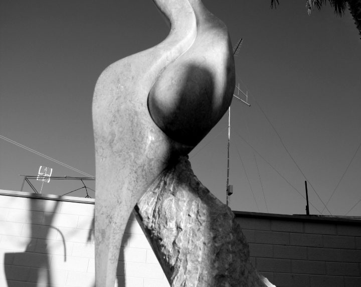 1Donna Woman Trani cm Stone 250x60x60 by Emanuele Rubini 5