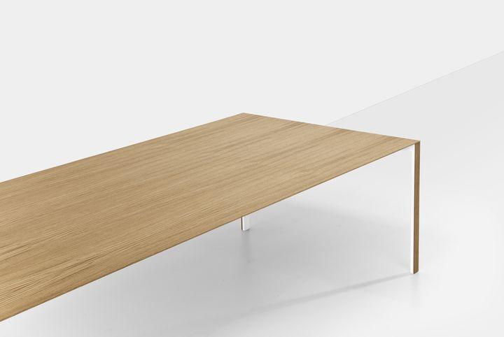 kristalia Thin K wood 1