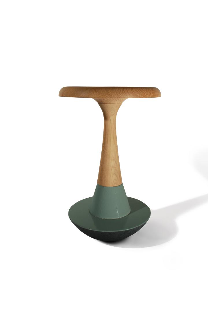 Luis Alberto Arrivillaga stool Chiummo 01