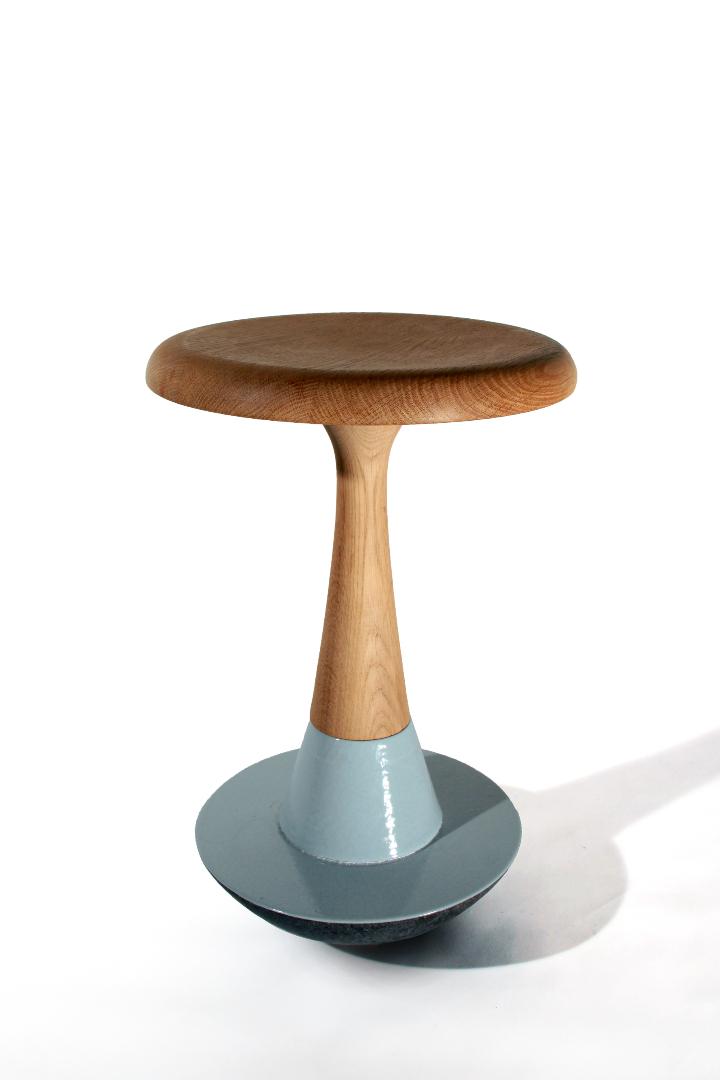 Luis Alberto Arrivillaga stool Chiummo 02