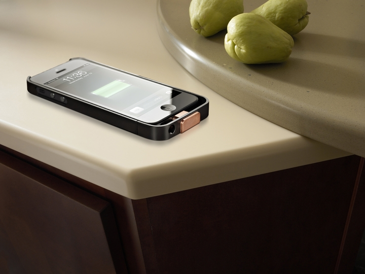 DuPont Corian countertop ricarica wireless iPhone5 01
