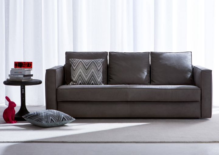 sofa-bed-in-leather-robinson-berto-salons