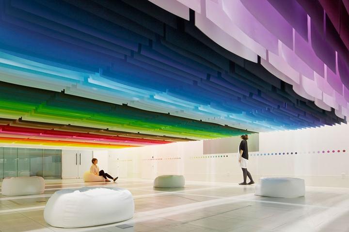Emmanuelle-Moureaux-100-colores-Designboom-01