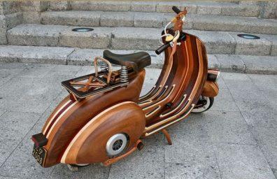 Carlos Alberto wooden Vespa 2