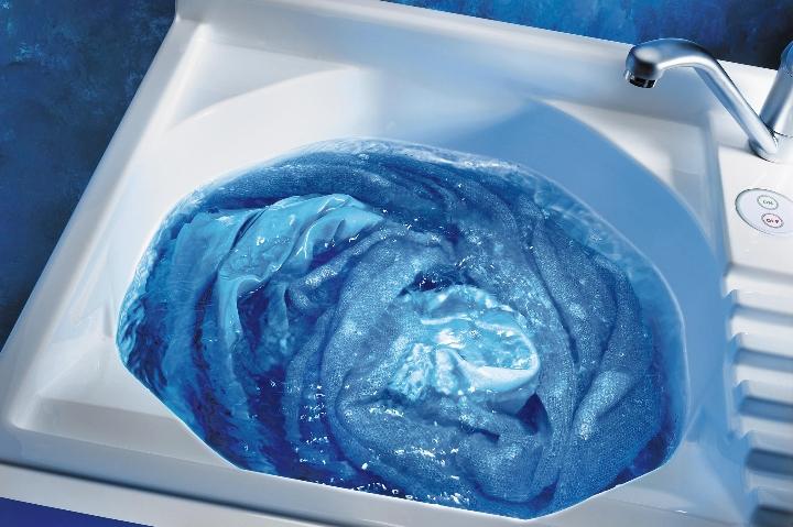 Colavene - Lavatoio Active Wash dettaglio vasca accesa