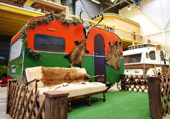 basecamp-an-indoor-vintage-campground-hostel-07