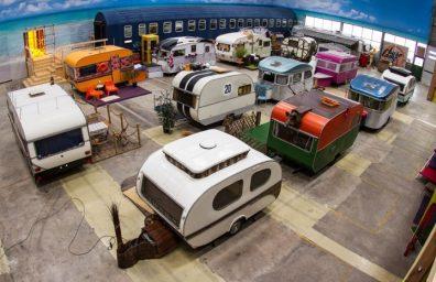 ベースキャンプ--屋内ヴィンテージ・キャンプ場、ユースホステル