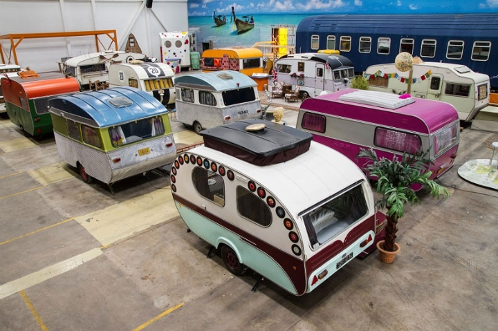 basecamp-an-indoor-vintage-campground-hostel 03