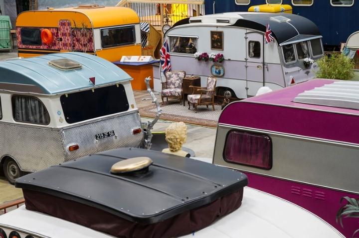 basecamp-an-indoor-vintage-campground-hostel 04
