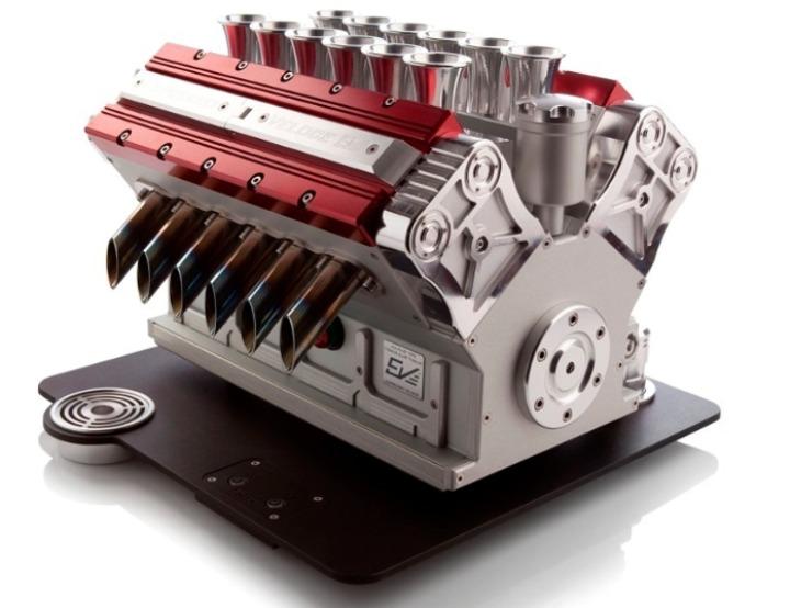 V12-Maquina Express-referencias-grand-prix-motores-Designboom-01