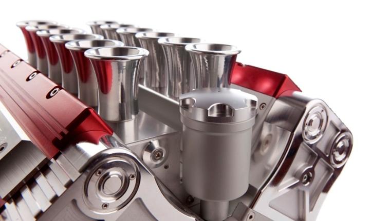 V12-Maquina Express-referencias-grand-prix-motores-Designboom-08