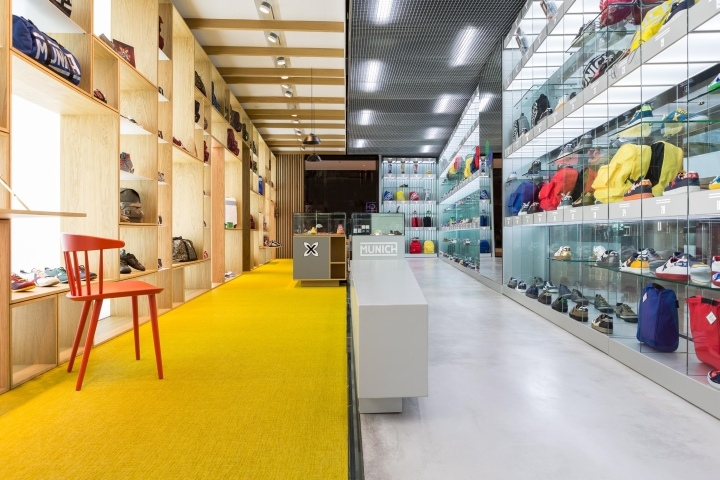 MUNICH-Shop-by-CuldeSac-Barcelona-Spanien-05