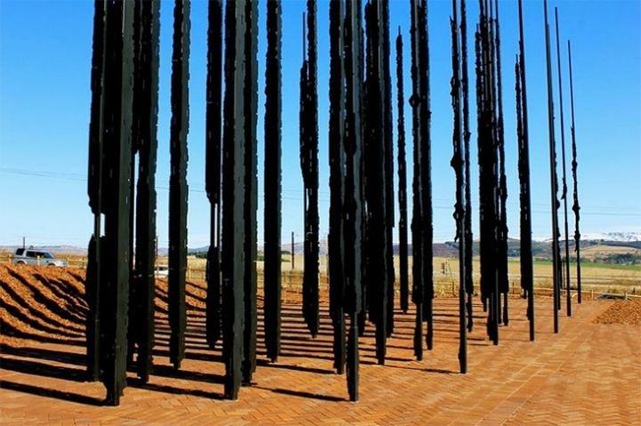 Mandela-Sculpture by-Marco-Cianfanelli5-640x426