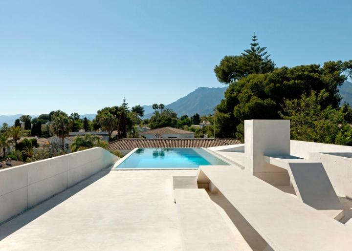 Medusa-House-by-Wiel-arets-Architects-house-piscina-transparente de vidro-roof-Marbella-Espanha-ddarcart-09