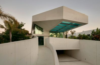 Jellyfish-House-by-Wiel-Arets-Architects-casa-piscina-vetro-trasparente-tetto-Marbella-Spain-ddarcart-14