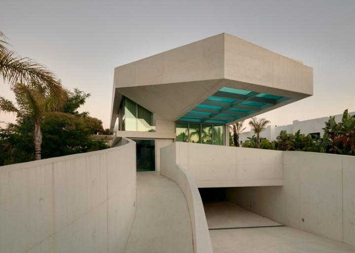 Medusa-House-by-Wiel-arets-Architects-house-piscina-transparente de vidro-roof-Marbella-Espanha-ddarcart-14