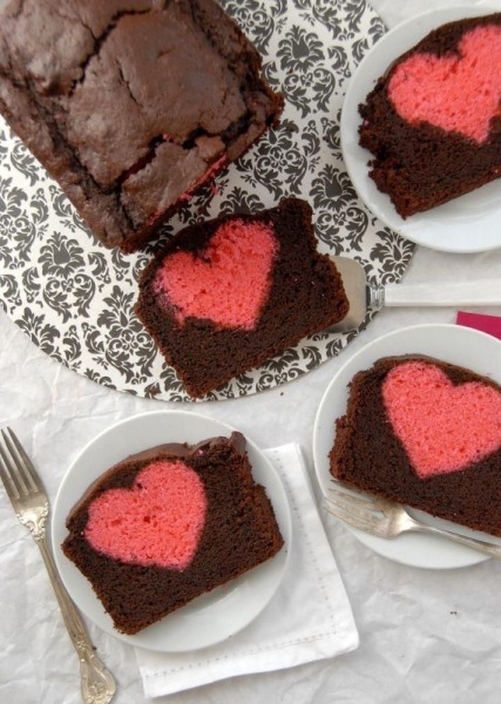 Dolci di San Valentino un plumcake con un cuore dentro 02