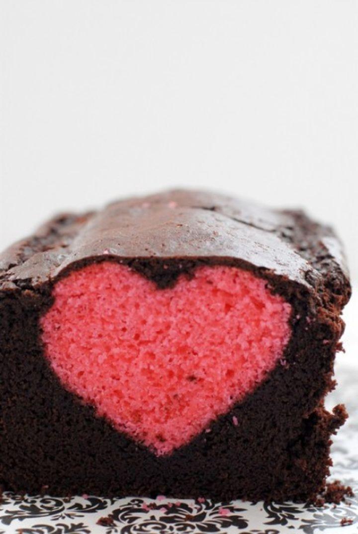 Dolci di San Valentino un plumcake con un cuore dentro 07