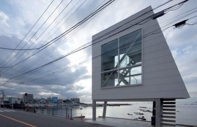 Yasutaka-Yoshimura-architectes-window-maison-designboom-02