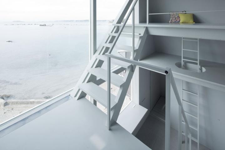 Yasutaka Yoshimura-arquitectos-window-casa-Designboom-04