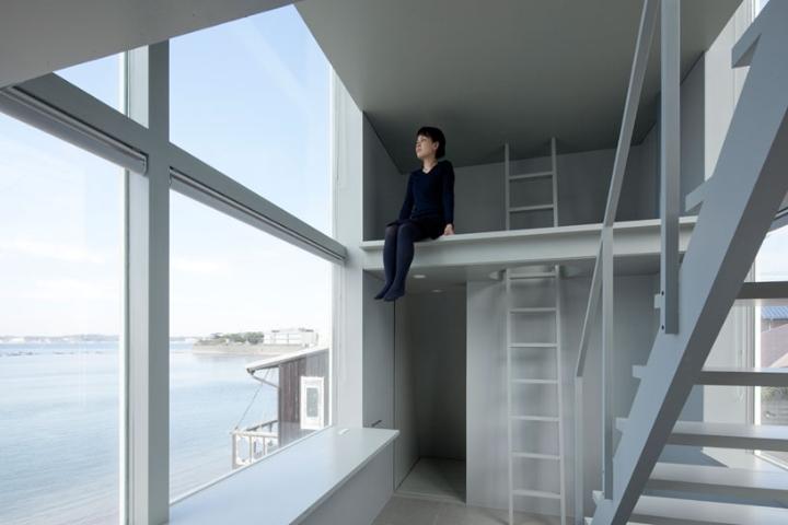 Yasutaka Yoshimura-arquitectos-window-casa-Designboom-05