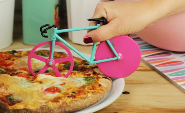 fixie-pizza-cutter-slices-with-bike-wheels-06