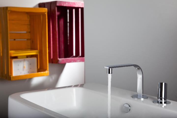 Bonomi - ELLE - MIscelatore moconomando per lavabo a parete ph.Clerici A 3