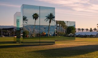 phillip-k-smith-III-mirrors-reflection-field-for-coachella-06