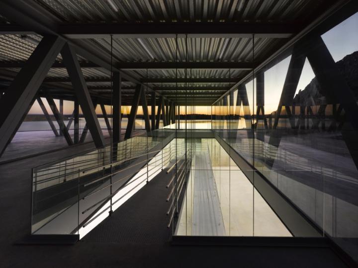 02 Rowing Centre Photo Roland Halbe