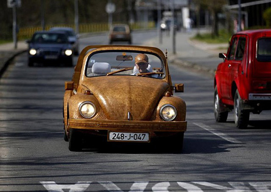 Wooden-Volkswagen-Beetle-002