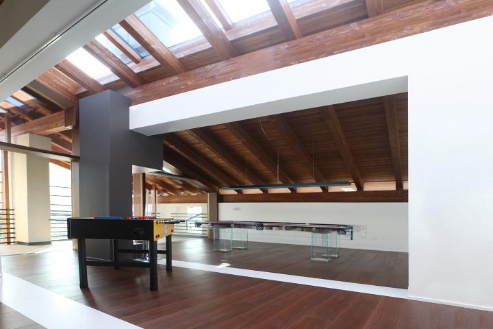 Ruang tamu tingkat atas for Arredare una villa