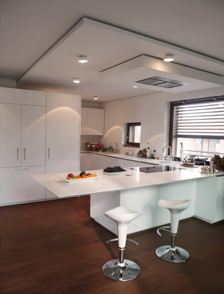 Trasformazione di un fabbricato anni 39 60 in villa moderna for Piani di casa artigiano di un livello