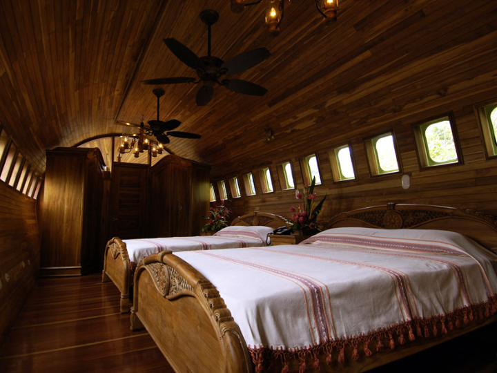 boeing-727-transformed into suites in costa rica Social Design Magazine-07