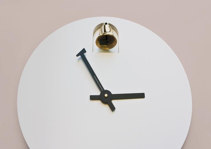 Alessandro Zambelli Uhr Dinn Social Design Magazin-03