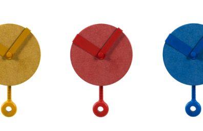 Sovrappensiero estudio del diseño del reloj del clip diseño social de la Revista 1