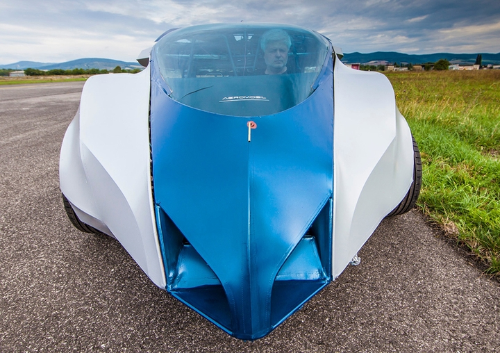 automobile volante pieghevole Social Design Magazine-04
