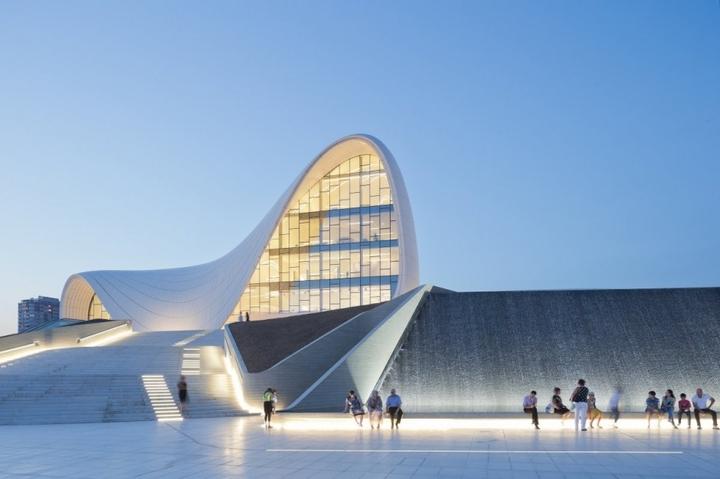 Heydar Aliyev Centro de Zaha Hadid Design Social Revista-02