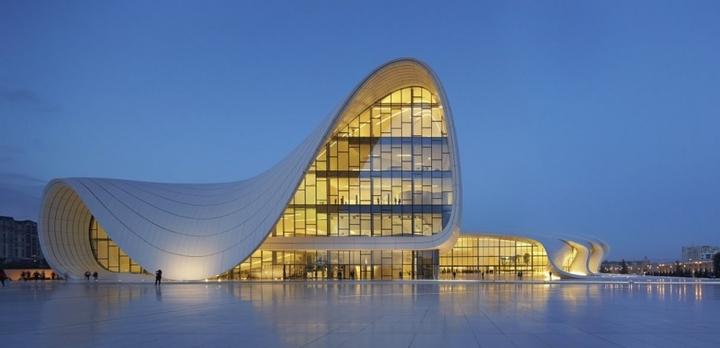 Heydar Aliyev Centro de Zaha Hadid Design Social Revista-04