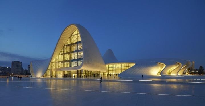 Heydar Aliyev Centro de Zaha Hadid Design Social Revista-05