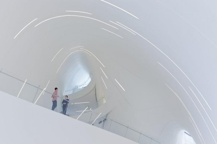 ヘイダル・アリエフセンターザハ・ハディド社会デザインマガジン-19