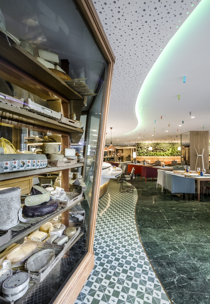 poncelet cheese bar barcelona estudihac Social Design Magazine 28