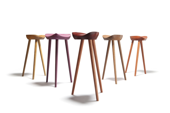 Stool Sela Ricardo Graham Design Social Revista 05