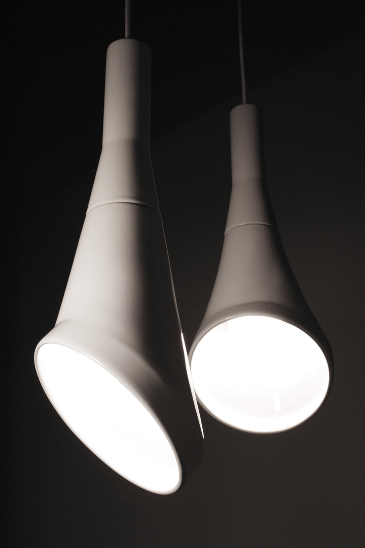 Blanc pendentif bruit lampe en RODRIGO Vairinhos design social magazine 45