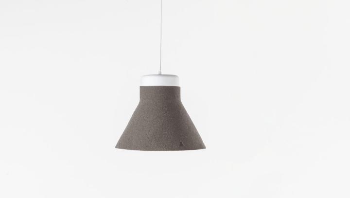 1200x679 incampana-pendant-lamp-beige-felt-formabilio-design