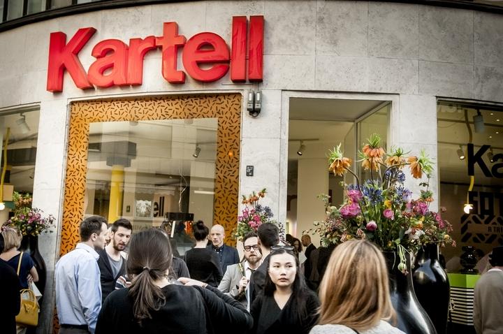 Kartell goes Sottsass social design magazine 54
