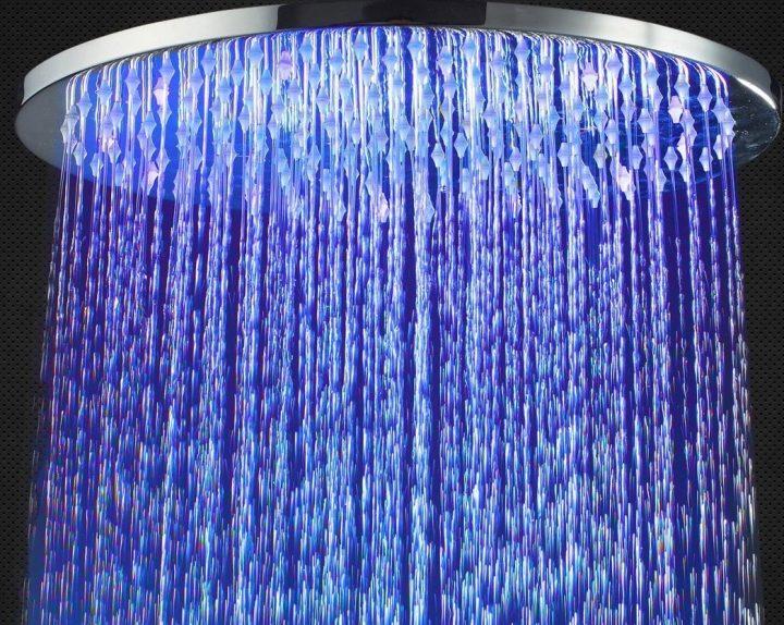 Xenon showerhead
