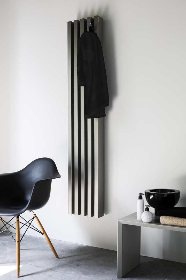 Tubes catalogo 52 Soho bathroom anodizzato titanio social design magazine