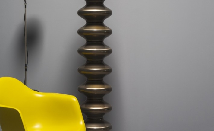 Tubes catalogo 82 Milano acciaio naturale verniciato trasparente social design magazine